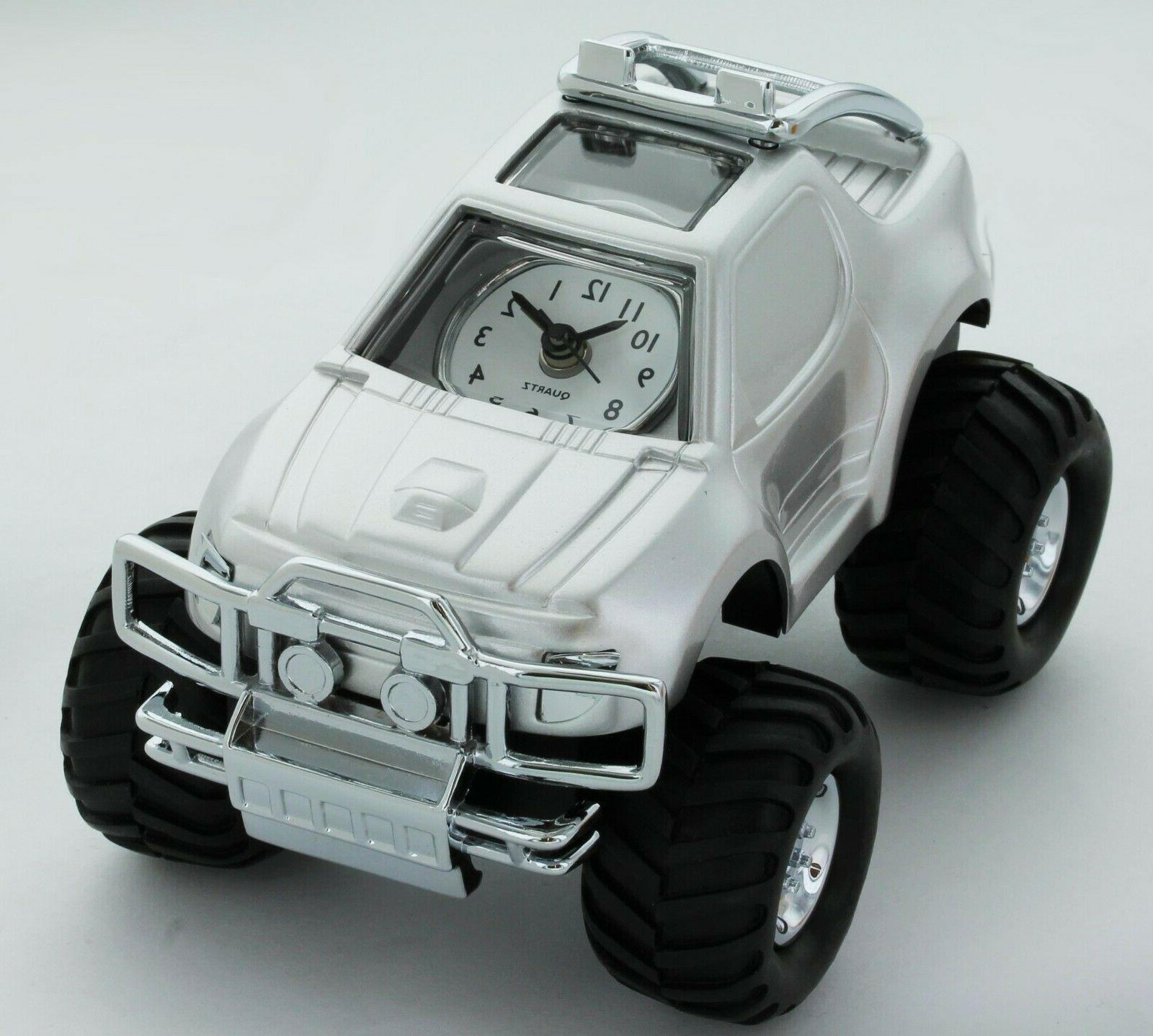 miniature classic suv car analogue silver tone