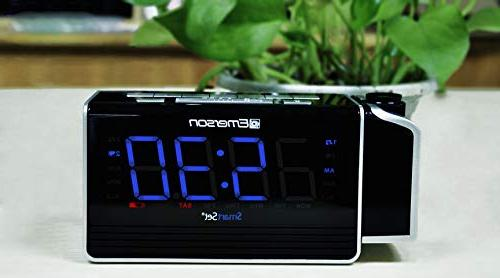 "Emerson SmartSet Projection Alarm Clock with Charging Iphone/Ipad/Ipod/Android Tablets, 1.4"" 4"