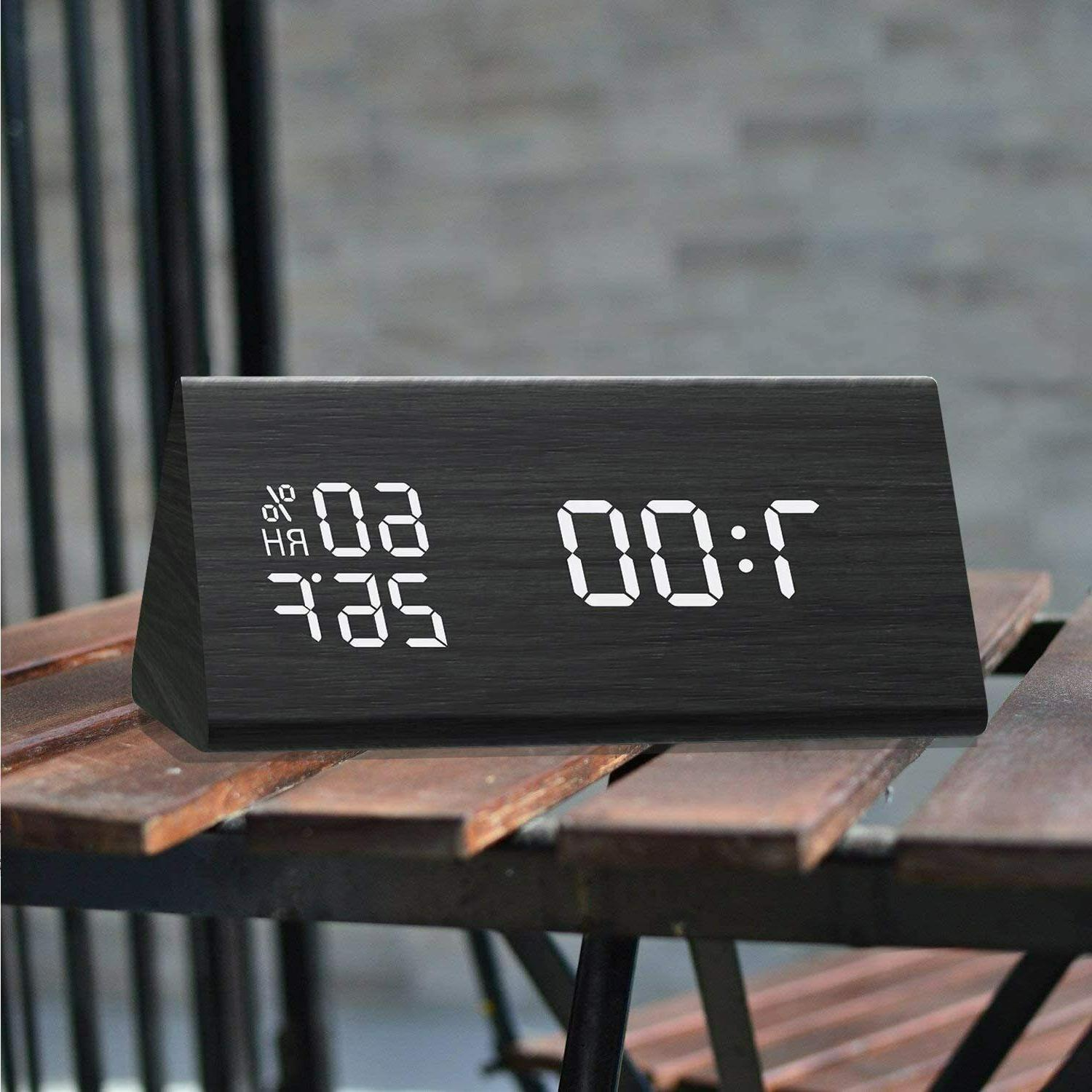 MEKO Wood Digital Clocks Bedrooms LED Display, Levels, Snooze